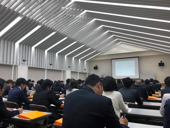 株式会社マエダ  2019年ビジネスマナー研修 01